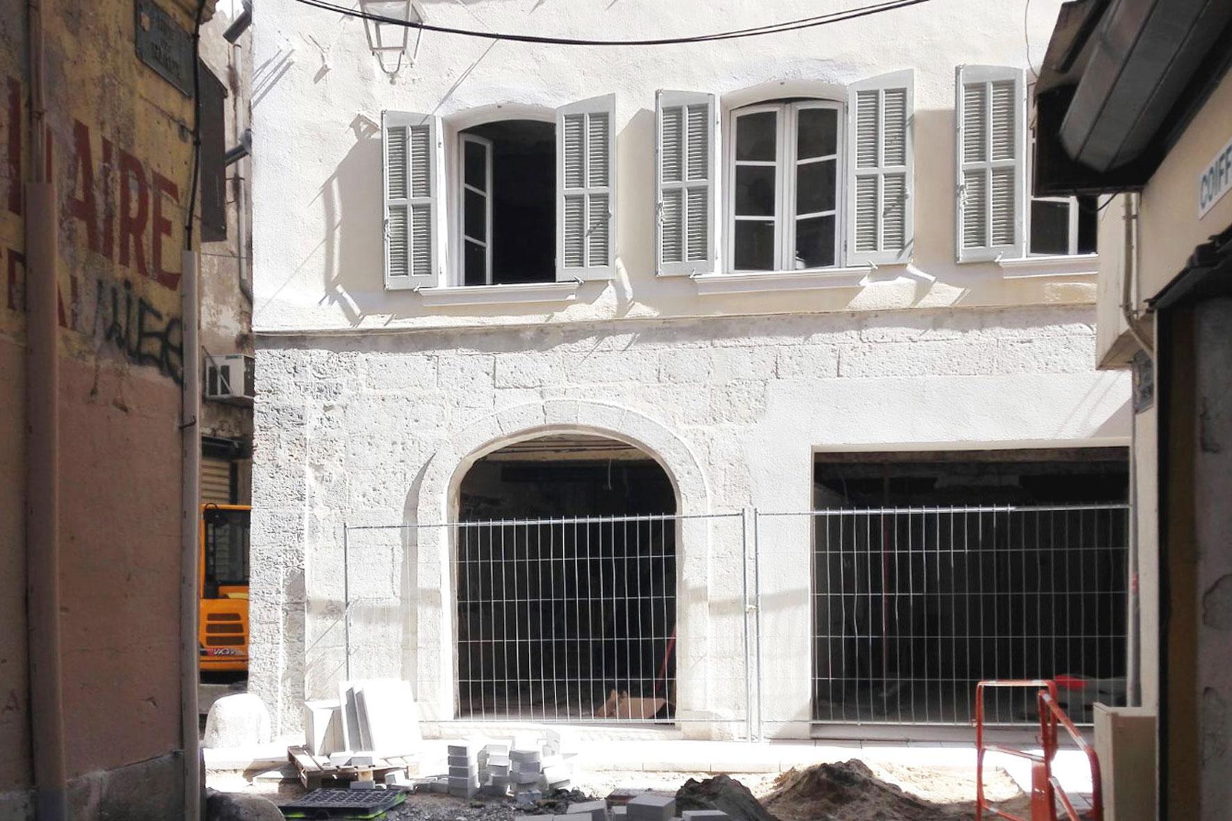 façade en cours de rénovation